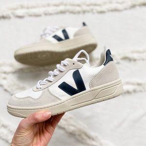 Veja sneakers size 37